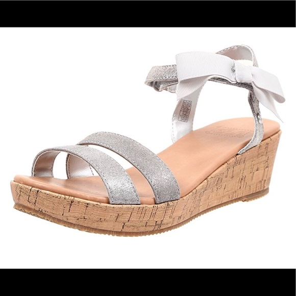 4c1850fecef UGG Girl's I Heart Joblyn Crackle Silver Sandal NWT